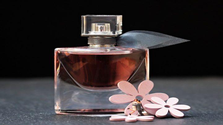 10 лучших ароматов духов для женщин