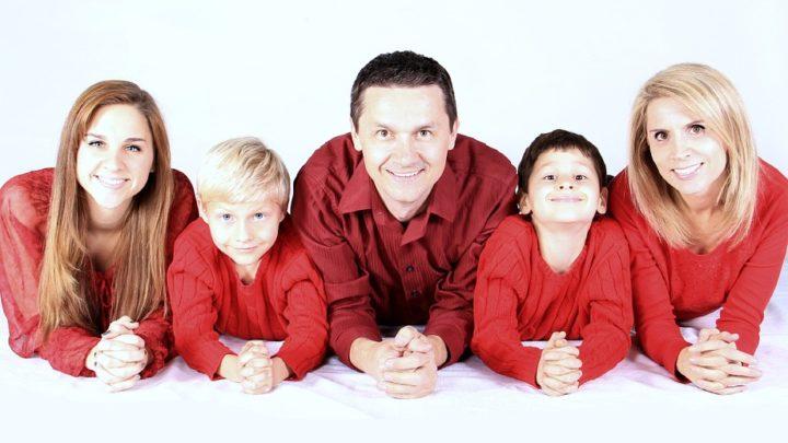 10 тем, которые не рекомендуется обсуждать даже с родными
