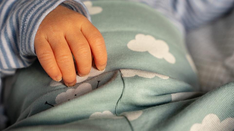 Исследование одного педиатра о важности сна ребенка с матерью до 3-х лет