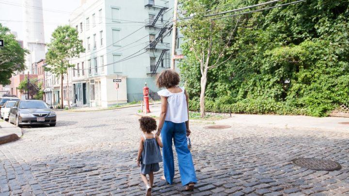 7 причин, почему строгая мама может быть лучше мягкой и покладистой