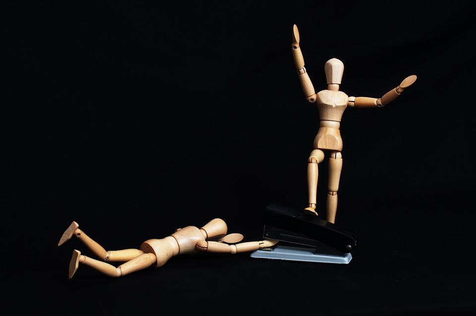 5 поступков, которые могут свидетельствовать о неустойчивой психике вашего партнера