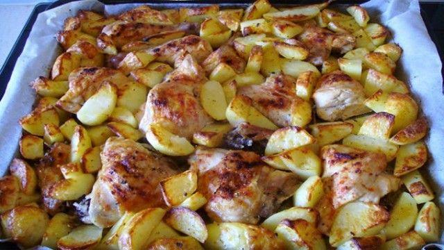 Невероятно вкусный куриный шашлык, с картофелем в духовке