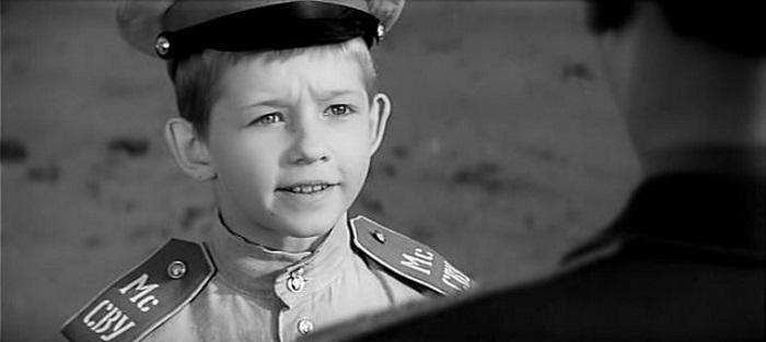 Кем стал мальчишка, который сыграл в фильме «Офицеры»