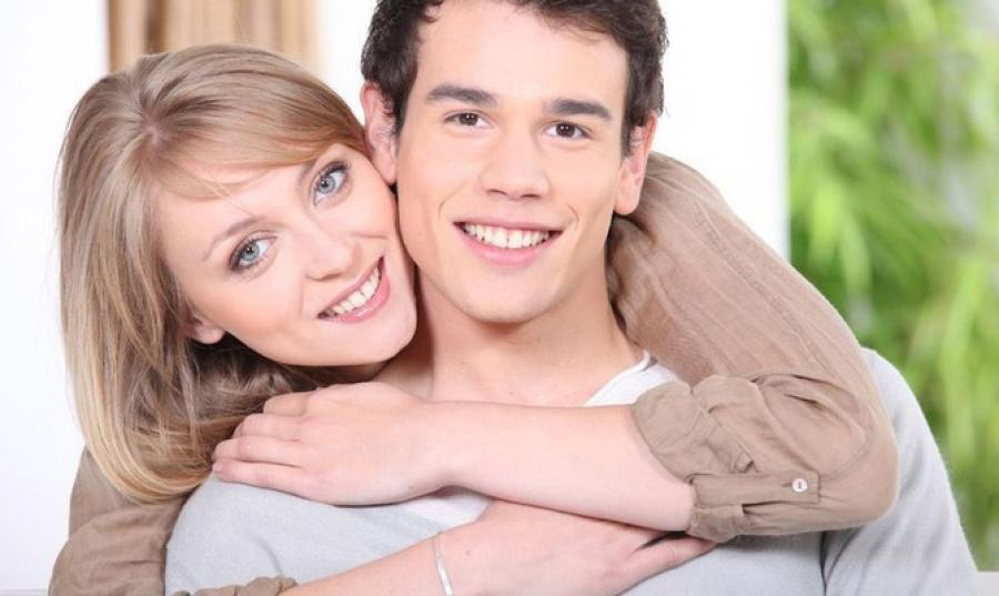 Причины для отношений  с мужчиной младше себя