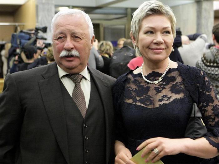 Как выглядят любимые жены известных российских мужчин