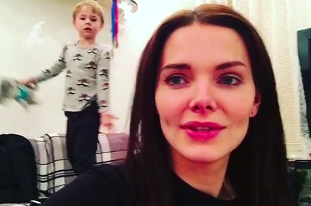 Елизавета Боярская выложила в сеть новые фото подросшего сына Андрея