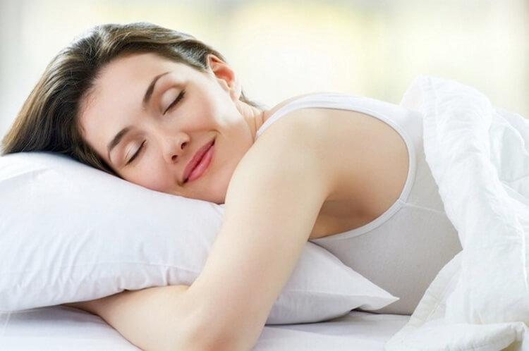Почему женщинам нужно спать больше, чем мужчинам