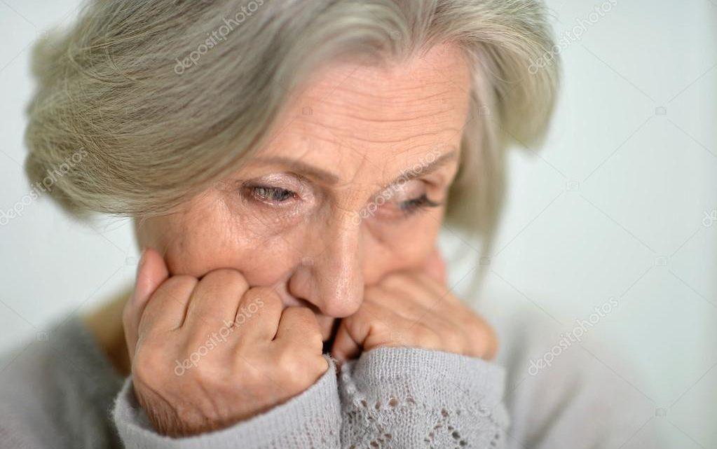 Почему плачет бабушка, у которой 24-летний муж