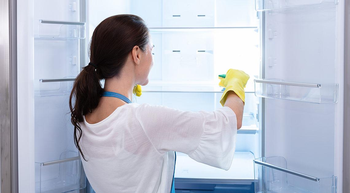 10 приемов чистки холодильника от профессионалов
