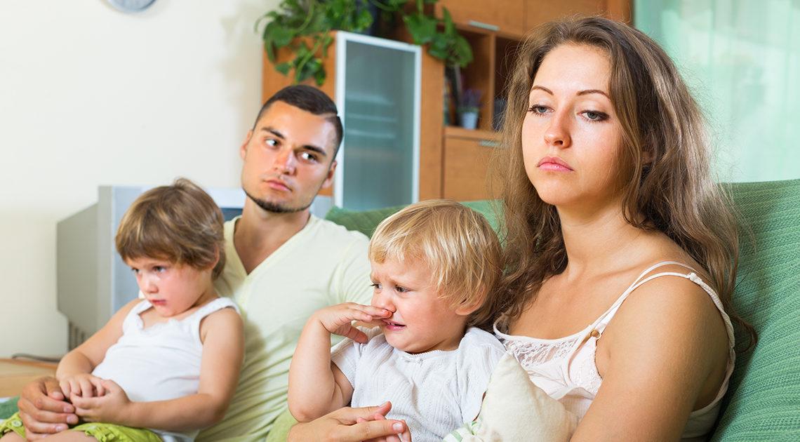 Сваты живут в просторном доме, а дети с внуками в однушке теснятся