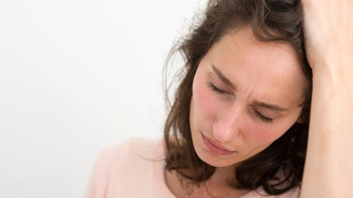 Дочь сама рассорилась со свекровью. А теперь жалуется мне на то, что у неё начались проблемы с мужем